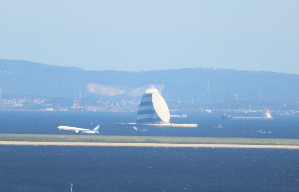テレコムセンター展望台からの風の塔、海ほたる